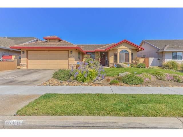 1558 Placer Way, Salinas, CA 93906 (#ML81804060) :: Team Tami
