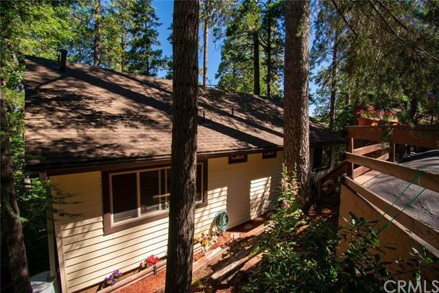 24772 Bernard Drive, Crestline, CA 92325 (#EV20154800) :: The Costantino Group | Cal American Homes and Realty