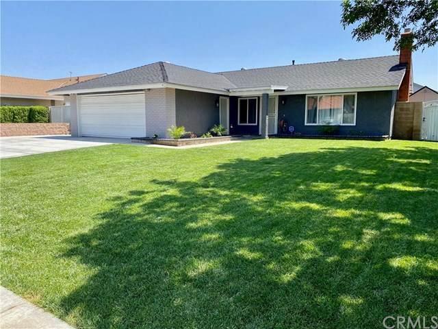 1013 S Larch Avenue, Rialto, CA 92376 (#TR20154907) :: Compass