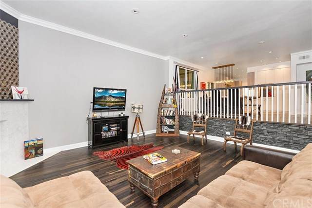 4655 Natick Avenue #1, Sherman Oaks, CA 91403 (#PW20154933) :: Sperry Residential Group