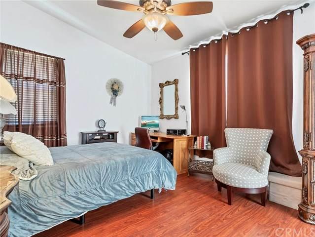869 N Hemet Street, Hemet, CA 92544 (#SW20153364) :: Steele Canyon Realty