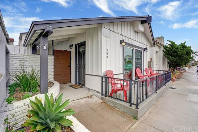 1320 W Balboa Boulevard, Newport Beach, CA 92661 (#NP20155241) :: Sperry Residential Group
