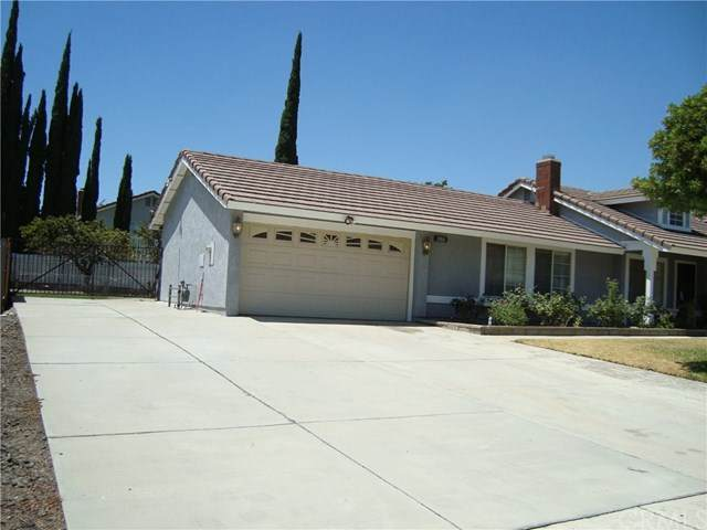 2866 N Orange Avenue, Rialto, CA 92377 (#IV20155836) :: Compass