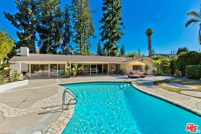 20419 Ruston Road, Woodland Hills, CA 91364 (#20613448) :: Sperry Residential Group