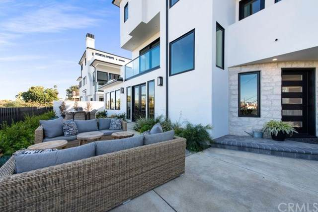 312 Dahlia Place, Corona Del Mar, CA 92625 (#NP20156704) :: Sperry Residential Group
