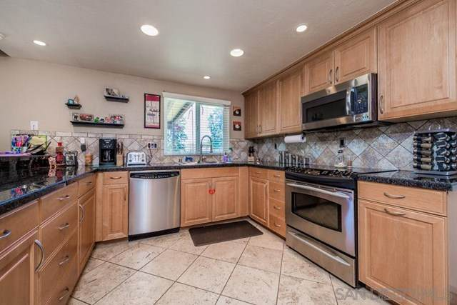 2833 Victoria Place, Alpine, CA 91901 (#200037289) :: The Najar Group