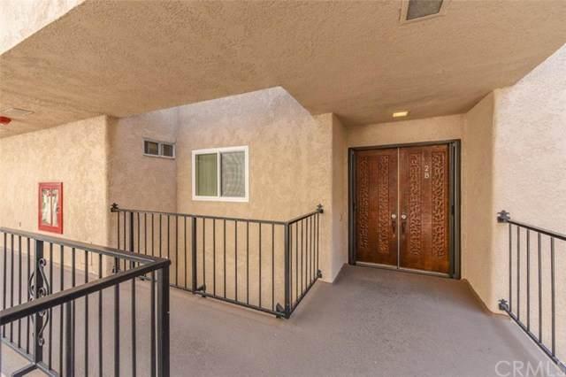 2395 Via Mariposa W 2B, Laguna Woods, CA 92637 (MLS #OC20157161) :: Desert Area Homes For Sale