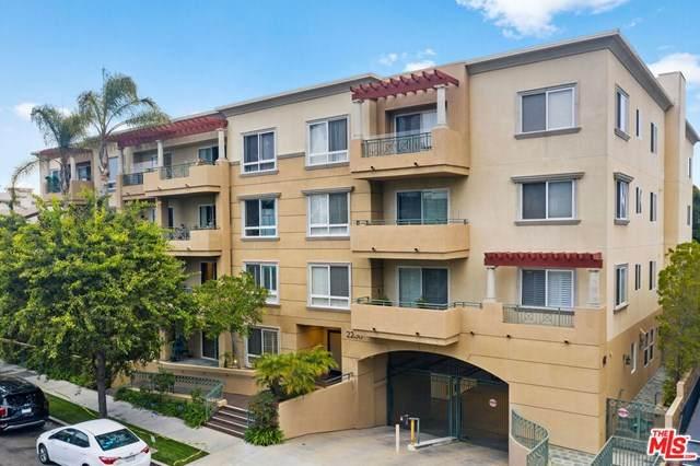 2230 S Bentley Avenue Ph4, Los Angeles (City), CA 90064 (#20614158) :: Camargo & Wilson Realty Team