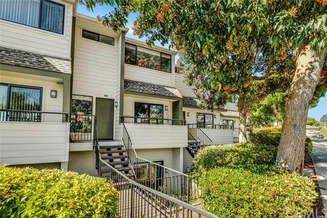 111 Calle Mayor #35, Redondo Beach, CA 90277 (#PV20157428) :: Millman Team