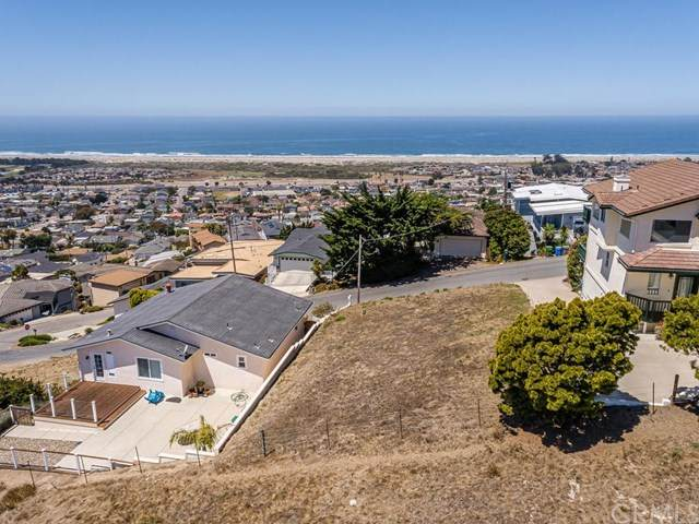 2620 Nutmeg Avenue, Morro Bay, CA 93442 (#NS20157717) :: Sperry Residential Group