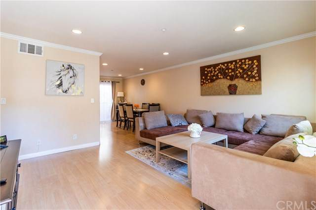 358 W Doran Street E, Glendale, CA 91203 (#BB20157467) :: Team Tami