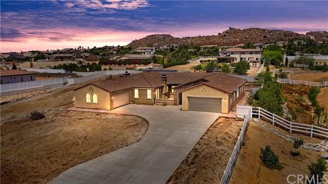 17626 Deer Valley Court, Riverside, CA 92504 (#IV20157820) :: The Brad Korb Real Estate Group