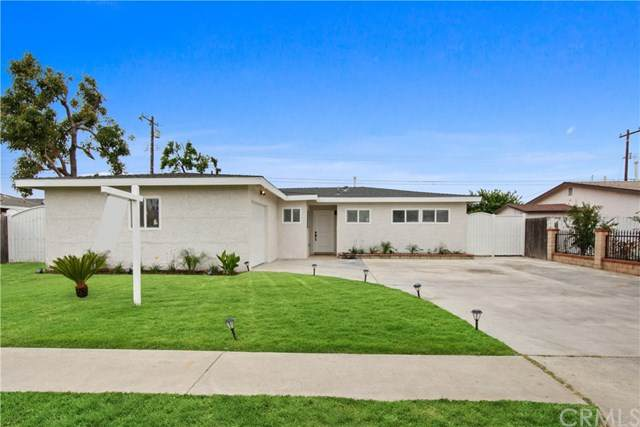 4710 W Oakfield Ave, Santa Ana, CA 92703 (#PW20158010) :: The Marelly Group | Compass