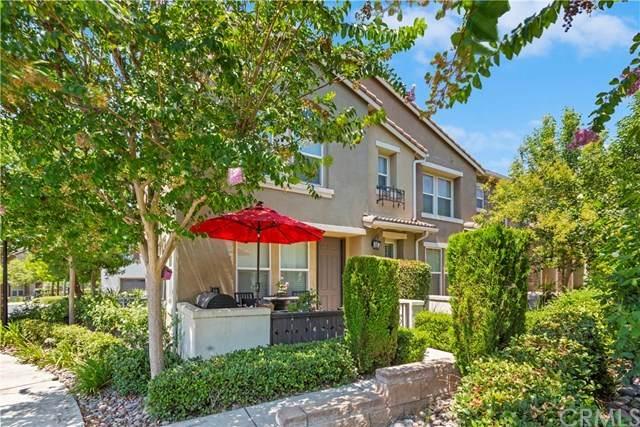 15723 Parkhouse Drive #91, Fontana, CA 92336 (#CV20156941) :: Team Tami