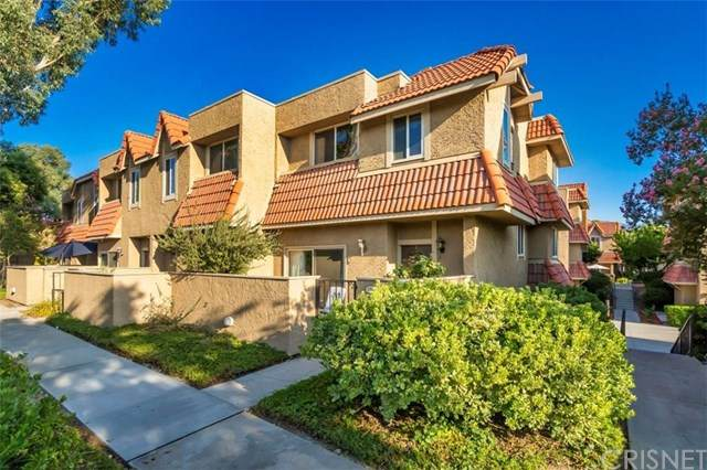 17908 River Circle #6, Canyon Country, CA 91387 (#SR20157291) :: Sperry Residential Group