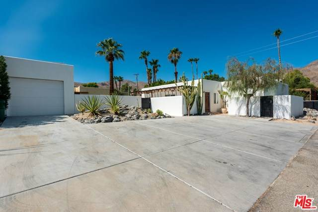 68355 Skyway Drive, Cathedral City, CA 92234 (#20611402) :: Veronica Encinas Team