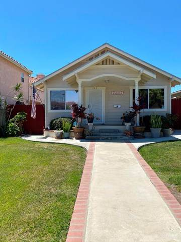 747 W 10th Street, San Pedro, CA 90731 (#220008400) :: Compass
