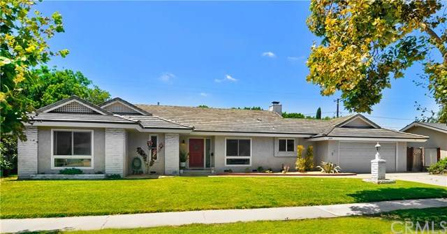 2110 N Greenbrier Street, Santa Ana, CA 92706 (#OC20158531) :: Better Living SoCal