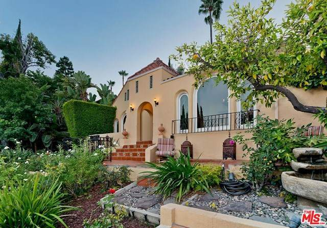2017 Holly Hill Terrace, Los Angeles (City), CA 90068 (#20614568) :: The Najar Group