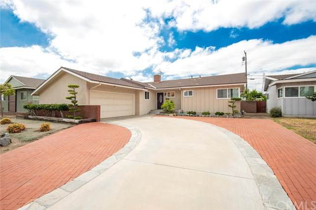 2136 W Harle Avenue, Anaheim, CA 92804 (#PW20159067) :: The Marelly Group | Compass