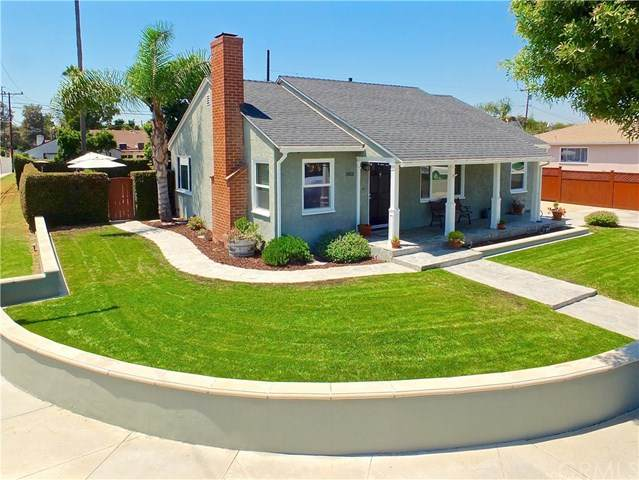 1801 Stearnlee Avenue, Long Beach, CA 90815 (#PW20150177) :: Compass