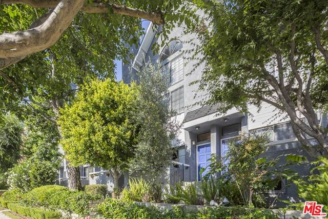 4220 Colfax Avenue #107, Studio City, CA 91604 (#20582434) :: Compass