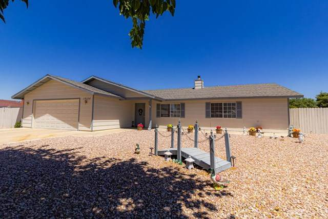 19134 Hudson Road, Apple Valley, CA 92307 (#PW20154672) :: Compass