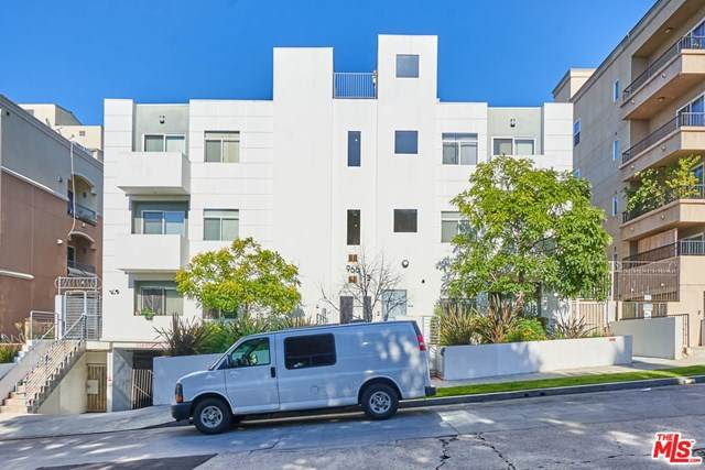 966 S St Andrews Place #204, Los Angeles (City), CA 90019 (#20615192) :: Z Team OC Real Estate