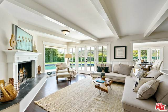 13540 Bayliss Road, Los Angeles (City), CA 90049 (#20615940) :: Doherty Real Estate Group