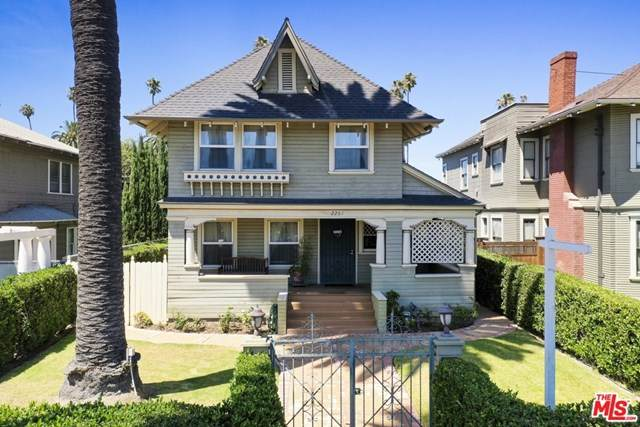 2352 W 23Rd Street, Los Angeles (City), CA 90018 (#20616032) :: Team Forss Realty Group