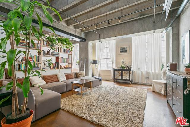 312 W 5Th Street #523, Los Angeles (City), CA 90013 (#20616218) :: Z Team OC Real Estate