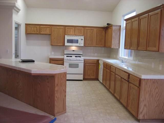 2439 Sallee Court, Visalia, CA 93291 (#ML81805310) :: Anderson Real Estate Group