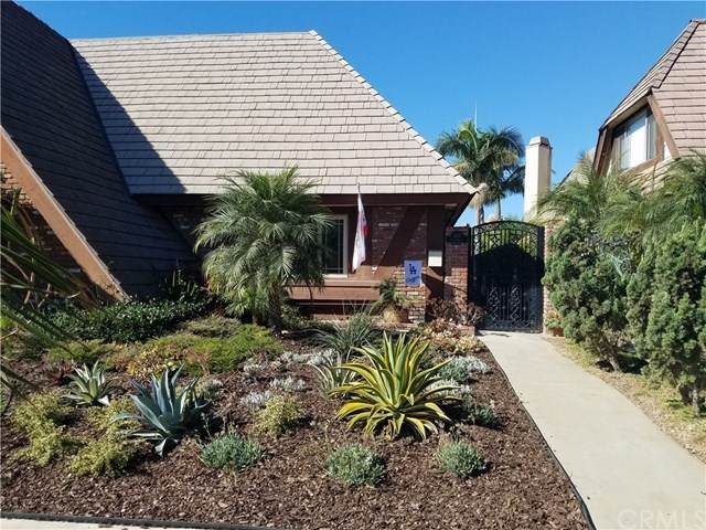 1807 California Street, Huntington Beach, CA 92648 (#OC20162202) :: Hart Coastal Group