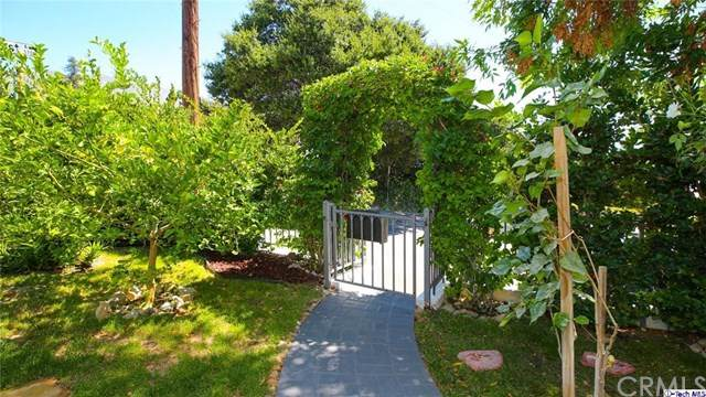 3700 1st Avenue, Glendale, CA 91214 (#320002799) :: Sperry Residential Group