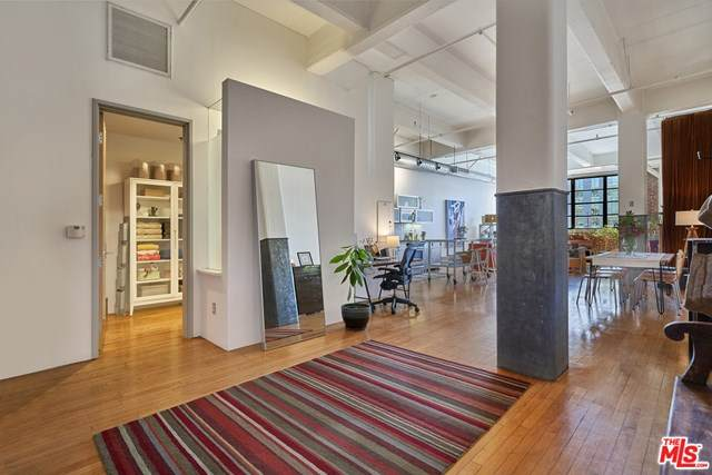 1850 Industrial Street #206, Los Angeles (City), CA 90021 (#20617686) :: Arzuman Brothers