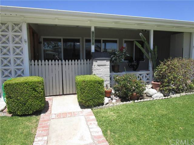 1602 Monterey Rd., M2-#13F, Seal Beach, CA 90740 (#PW20163772) :: Team Forss Realty Group