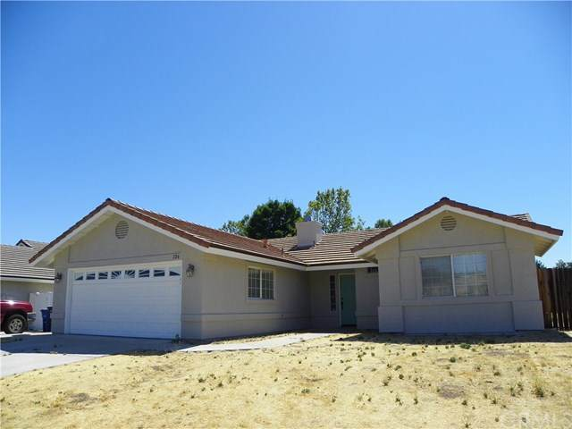 126 Riverbank Lane, Paso Robles, CA 93446 (#NS20163632) :: Team Forss Realty Group