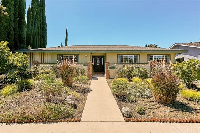 7933 Woodlake Avenue, West Hills, CA 91304 (#SR20162712) :: Sperry Residential Group