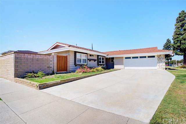 5202 Tasman Drive, Huntington Beach, CA 92649 (#OC20165013) :: Millman Team
