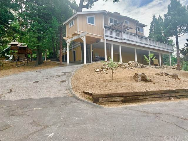 402 Rainier Road, Lake Arrowhead, CA 92352 (#EV20163889) :: Team Forss Realty Group