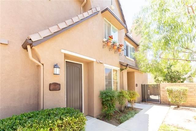 28417 Casselman Lane #419, Saugus, CA 91350 (#PW20165299) :: Sperry Residential Group