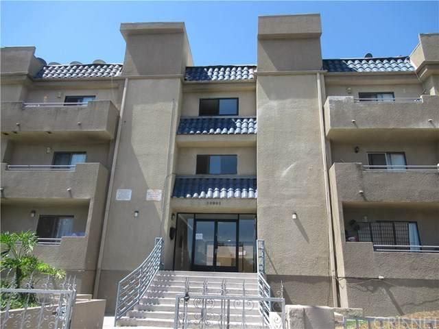 10901 Laurel Canyon Boulevard #312, San Fernando, CA 91340 (#SR20165367) :: The Brad Korb Real Estate Group