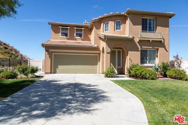 15652 Walt Court, Santa Clarita, CA 91387 (#20616102) :: Sperry Residential Group