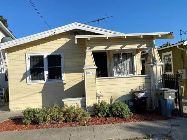 1014 81st Avenue, Oakland, CA 94621 (#220008756) :: Sperry Residential Group