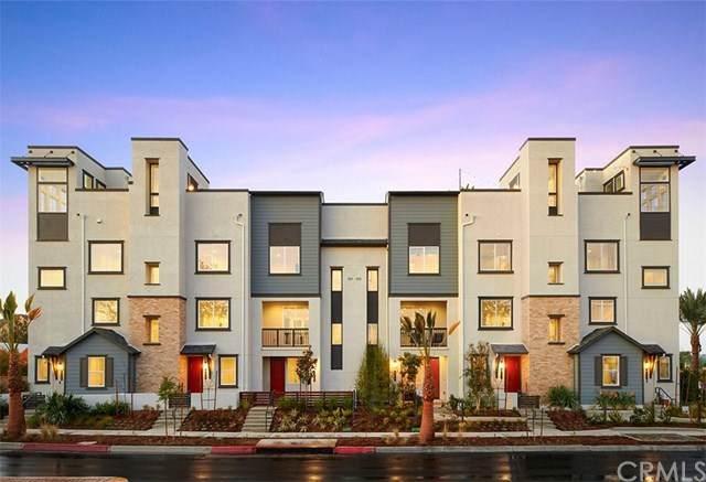 689 S Mosaic Street, Anaheim, CA 92805 (#OC20165872) :: Compass