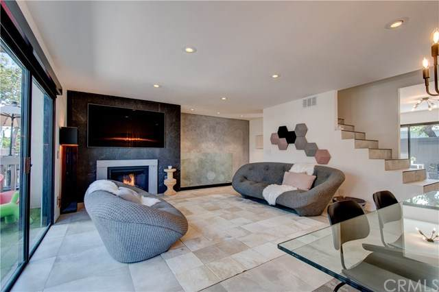 1209 Las Arenas Way #5, Costa Mesa, CA 92627 (#NP20165242) :: Sperry Residential Group