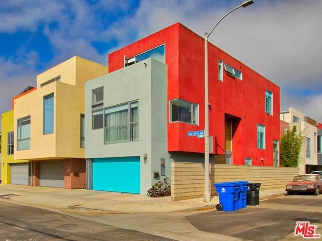 517 Victoria Avenue - Photo 1
