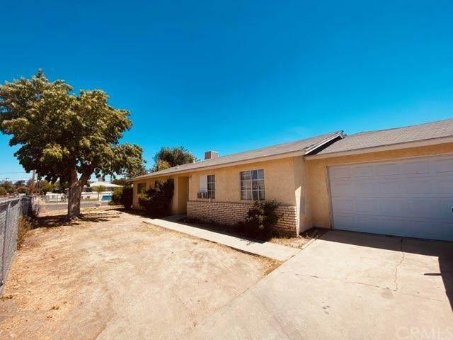 216 19th Avenue, Delano, CA 93215 (#CV20151402) :: Hart Coastal Group