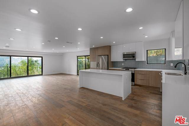 2329-1/2 W Avenue 31, Los Angeles (City), CA 90065 (MLS #20624338) :: Desert Area Homes For Sale