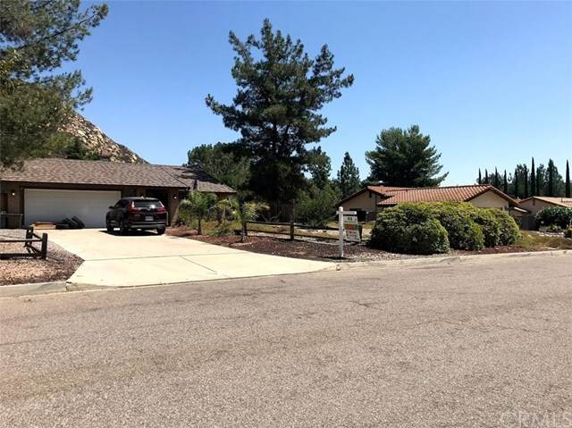 25150 Poderio Drive, Ramona, CA 92065 (#IV20177019) :: The Miller Group